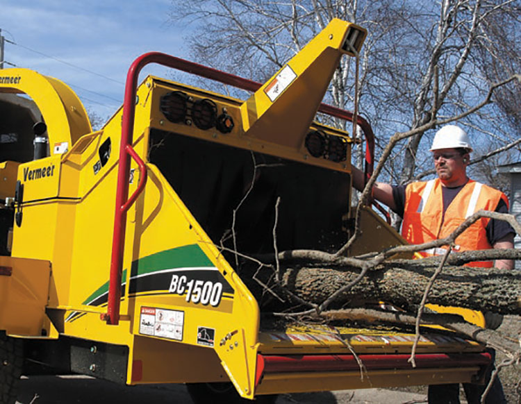 img: https://vermeer-want.com.au/wp-content/uploads/2019/06/brochure-bc1500-wood-chipper-web-2.jpg