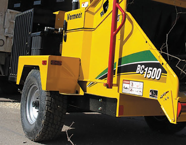 img: https://vermeer-want.com.au/wp-content/uploads/2019/06/brochure-bc1500-wood-chipper-web-9.jpg