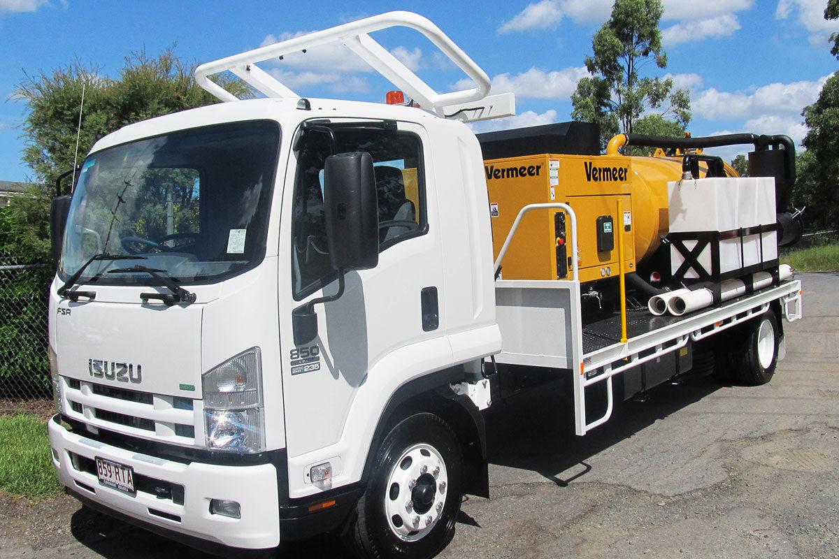 img: https://vermeer-want.com.au/wp-content/uploads/2019/06/product-image-vermeer-vx70-800-vac-truck-1200x800.jpg
