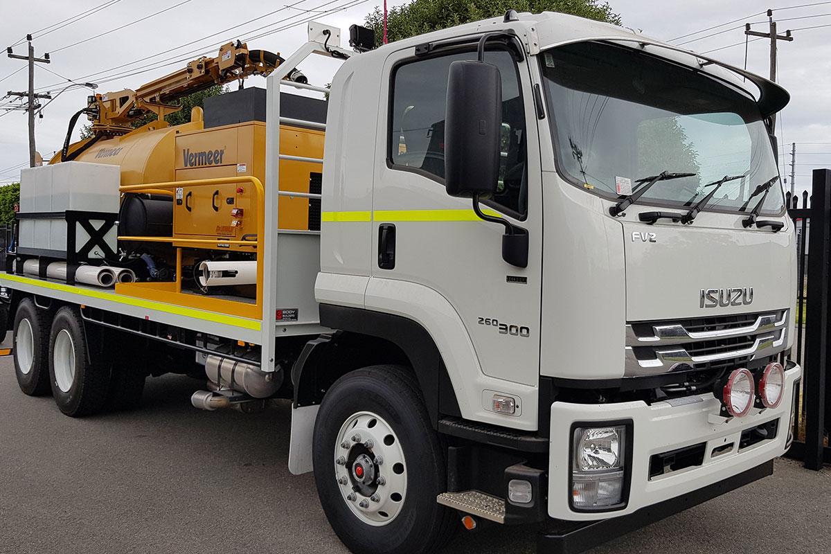img: https://vermeer-want.com.au/wp-content/uploads/2019/06/vermeer-vx70-1200-vac-truck-002.jpg