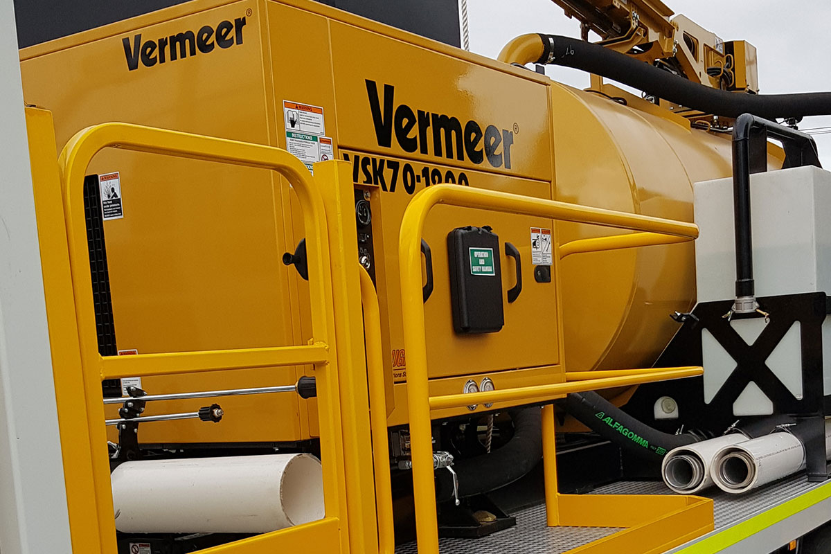 img: https://vermeer-want.com.au/wp-content/uploads/2019/06/vermeer-vx70-1200-vac-truck-005.jpg