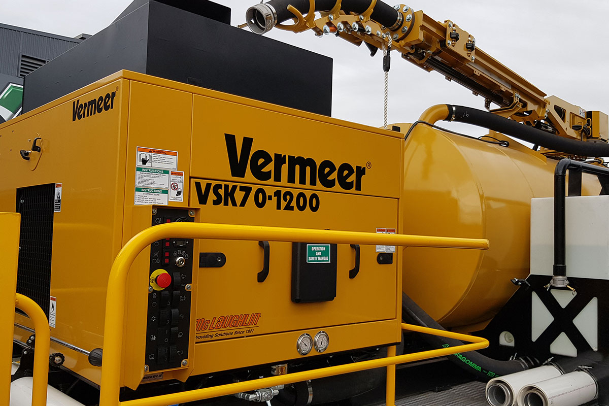 img: https://vermeer-want.com.au/wp-content/uploads/2019/06/vermeer-vx70-1200-vac-truck-006.jpg