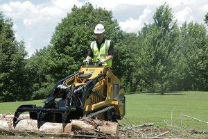 S925TX-with-log-root-rake-grapple